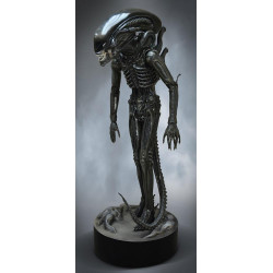 Alien Life-Size Statue Big...